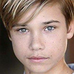Luca Alexander Girlfriends and dating rumors
