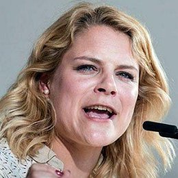 Johanne Schmidt-Nielsen Boyfriends and dating rumors